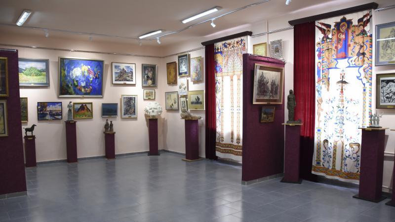 Exceptional Gallery-Auditorium at the Pedagogical University
