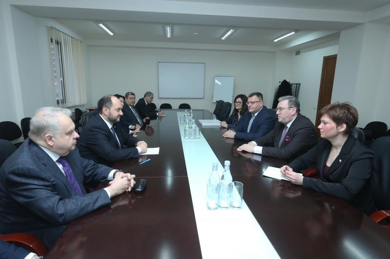 Արայիկ Հարությունյանն ընդունել է Մոսկվայի պետական մանկավարժական համալսարանի պատվիրակությանը