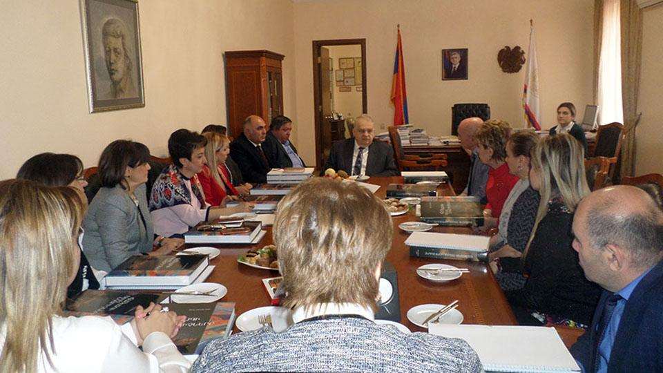 ASPU Rector and school principals discuss internship-related issues