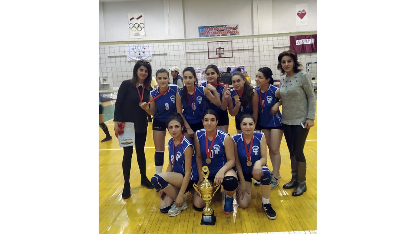 Женская сборная АГПУ по волейболу добилась значительных успехов
