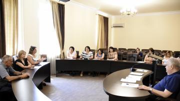 Հավաստագրեր՝ ուսումնական հաստատության ղեկավարման դասընթացի մասնակիցներին